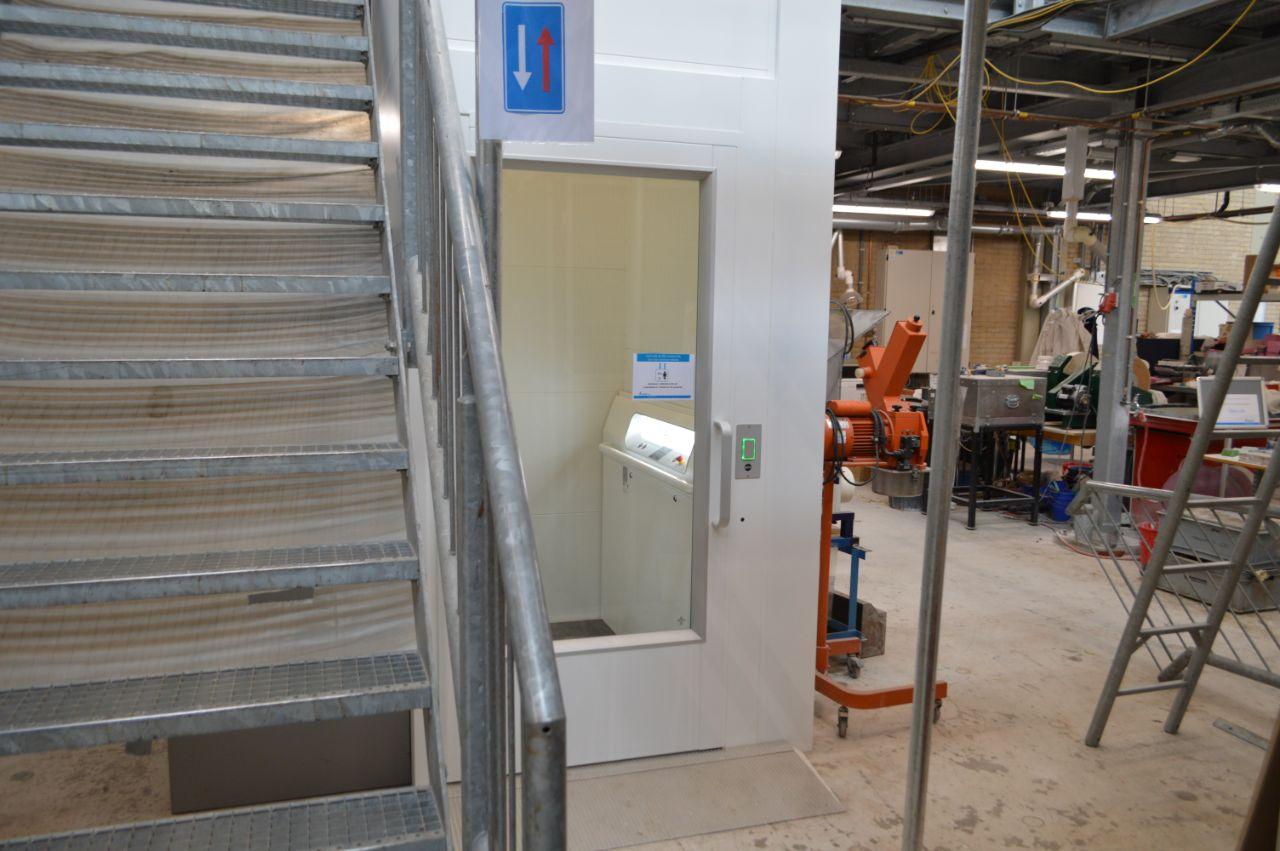 platformlift a7000 tu delft lift